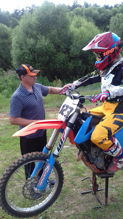 Обучение езде на кроссовом мотоцикле